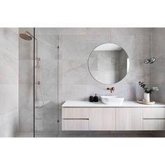 Home Tour - Grange Road Residence by Scope Building Solutions Grey Bathrooms, White Bathroom, Small Bathroom, Master Bathroom, Glitter Bathroom, Modern Bathroom Mirrors, Bathrooms Decor, Gray Interior, Bathroom Interior Design