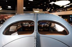 """motoriginal: """"One of the most beautiful vehicles ever built: 1936 Bugatti Type Atlantic """" Bugatti Type 57, Car Photos, Car Pictures, Bike Craft, Mercedes 500, Automobile, Toys For Boys, Cars Motorcycles, Autos"""