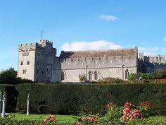 St Donat's Castle ►► http://www.castlesworldwide.net/castles-of-wales/vale-of-glamorgan/st-donats-castle.html?i=p