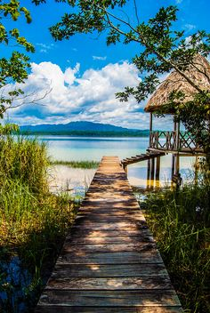 Laguna Lachuá, #Guatemala | Honeymoons to the Caribbean http://www.pinterest.com/FLDesignerGuide/honeymoons-to-the-caribbean/