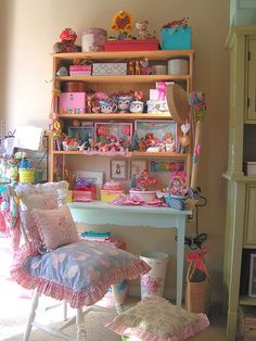 pastel chic, kitschy feel studio set up