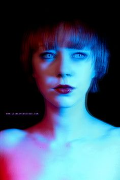 Lisa Leverseidge photography: Experimentation with coloured gels :)