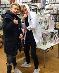 In love w/ Marcus and Martinus. They are bae Cute Twins, Cute Boys, Dream Boyfriend, You Are My Life, I Go Crazy, Twin Brothers, Cameron Dallas, Back Off, New Music