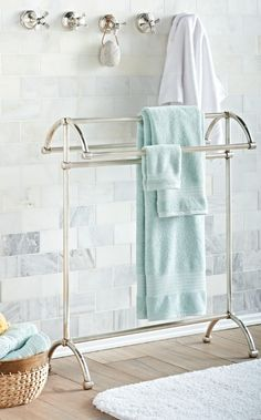 Everything has a home – even towels. And our Towel Stand makes a grand home indeed.