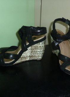 À vendre sur #vintedfrance ! http://www.vinted.fr/chaussures-femmes/compensees/28570686-sandales-one-step-ete-compensees-cuir-noir-t38