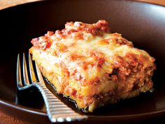 Gojee - Polenta Layer Cake with Meat Sauce by Leite's Culinaria