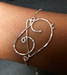 Treble clef bracelet, music love heart bracelet, bass bracelet, music note bracelet, music love by EllynBlueJewelry on Etsy