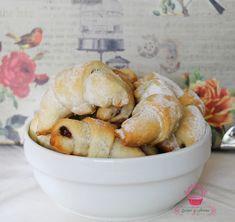 cornulete cu nuca Pretzel Bites, Bread, Vegan, Gem, Vegetables, Moldova, Puddings, Food, Cookies