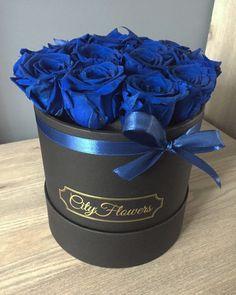 Everlasting roses flowerbox