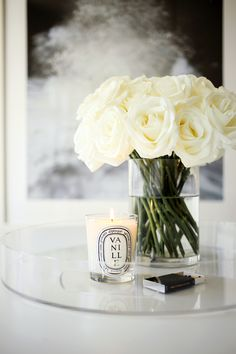 I'm so excited to share I've moved back to NYC! When I moved from NYC to LA 2 years ago, I never thought I'd move back to the city. Diptyque Candles, Deco Studio, Luxury Candles, Decorating Coffee Tables, Coffee Table Styling, Home Decor Inspiration, Hygge, Floral Arrangements, Living Room Decor