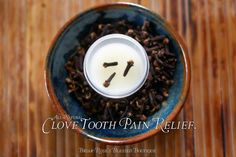 Make Your Own - Clove Tooth Pain Relief ~ Earthy Orajel. Coconut Oil For Teeth, Coconut Oil Pulling, Tooth Pain Relief, Home Remedy Teeth Whitening, Remedies For Tooth Ache, Coconut Benefits, Healthy Teeth, Natural Medicine, Home Remedies