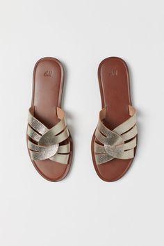 Women Summer Shoes Sandals Flip Flops Sports Shoes For Men Baby Walking Shoes Women'S Casual Leather Slip On Shoes Leather Slip On Shoes, Leather Sandals, Womens Summer Shoes, Sport Sandals, Fashion Heels, Flip Flop Sandals, Flip Flops, Black Sandals, Neue Trends