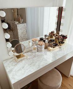 Room Design Bedroom, Girl Bedroom Designs, Room Ideas Bedroom, Dressing Room Decor, Dressing Room Design, Dressing Table, Beauty Room Decor, Makeup Room Decor, Makeup Vanity Decor