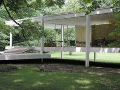 The original glass house. Mies van der Rohe's Farnsworth house. Amazing.
