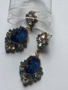 Incredible 1950 blue and pink cameo and rhinestones pierced earrings, cocktail jewels di Quieora su Etsy