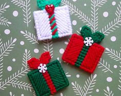 Plastic Canvas: Christmas Gifts Mini Magnets (set of by ReadySetSewbyEvie on Etsy Plastic Canvas Stitches, Plastic Canvas Coasters, Plastic Canvas Ornaments, Plastic Canvas Christmas, Plastic Canvas Crafts, Plastic Canvas Patterns, Christmas Crafts Sewing, Sewing Crafts, Christmas Gifts