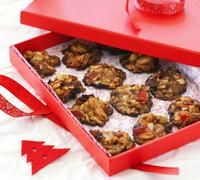 Feed a crowd with these delicious desserts - packed into a decorative container, they also make a great gift.