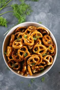 Ranch marinated crunchy pretzels without the gluten or dairy but still packed with flavor. These make a great party snack and are so addicting! Ranch Packet, Just Serve, Gluten Intolerance, Pretzels, Party Snacks, Original Recipe, Crackers, Dairy Free