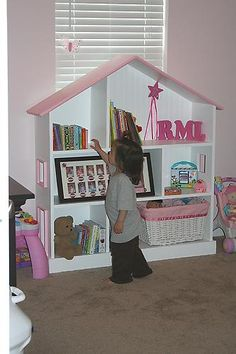 Doll house book shelf! I want one of these for my daughter's room.