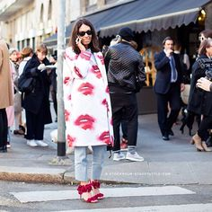 Viviana Volpicella @_streetstyle #style #street #styling #stylish #streetstyle #streetfashion #fashion #fashionable #girl #vivianavolpicella #italy #italian #luxury #luxurystyle #luxuryfashion #shoes #heels #luxuryshoes #luxuryheels #red #coat #design #designer