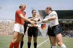 Captains Uwe Seeler and Bobby Moore exchanging gifts before 1970 World Cup Quarter-Final, June 14, 1970. West Germany v England (3-2 aet), Estadio Nou Camp, Leon.Source: WDR