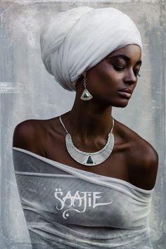Tuareg Berber African earrings and necklace jewelry set in sterling silver with green onyx, labradorite, moonstone or amethyst Black Girl Art, Black Women Art, Black Girl Magic, Black Girls, African Beauty, African Women, African Fashion, Beautiful Dark Skinned Women, My Black Is Beautiful