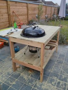 Tafel voor de Weber Mastertouch Outdoor Bbq Kitchen, Kitchen Grill, Outdoor Oven, Outdoor Cooking, Outdoor Kitchens, Barbecue Weber, Weber Grill, Bbq Stand, Custom Bbq Pits