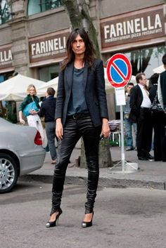 Emanuelle Alt - All you need for a wardrobe, leather pants, t -shirt blazer and pumps