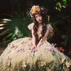 Flower girl dress, custom dress, flower girl,  wedding ideas, couture kids, bride, wedding.