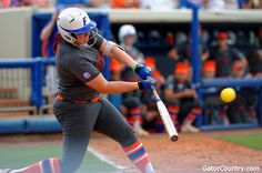 Lauren Haeger sets the HR record Softball Birthday Cakes, Florida Gators Softball, Baseball Records, Softball Quotes, Florida Girl, Role Models, Champion, Sporty, Running