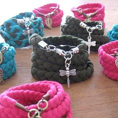 DIY Recycled T-Shirts Bracelets. I never really loved the original t shirt bracelet principle, but I love it this way!