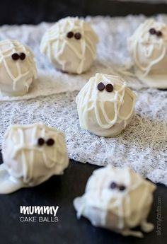 These adorable Skinny Mummy Cake Balls are actually Easy to Make!  The cake inside can be switched to Chocolate or Others easily!