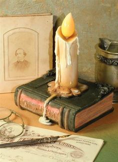 CHARLES DICKENS' CANDLE BOOK