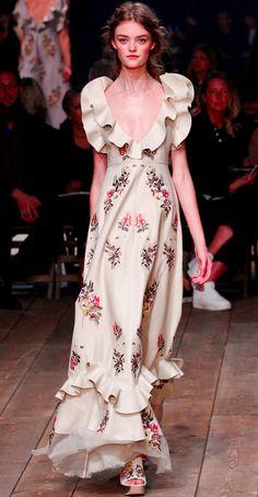 Alexander McQueen Spring 2016 Ready to Wear