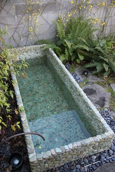 Amazing Landscaping Ideas for Small Backyards Diy Pool, Small Backyard Landscaping, Ponds Backyard, Patio Pond, Outdoor Baths, Outdoor Bathrooms, Small Pool Design, Small Pools, Water Features In The Garden