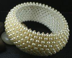 Bracelet mariage  manchette en perle nacrée swarovski