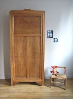 armoire parisienne chambre enfant vieux rose trendy little 9 inspirations pinterest. Black Bedroom Furniture Sets. Home Design Ideas