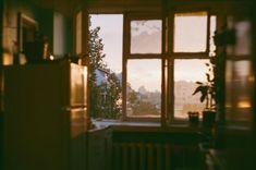 groß - Makaron - New Ideas Bonheur Simple, Casa Real, Jolie Photo, Morning Light, Film Photography, Window Photography, Nostalgia, Photos, Pictures