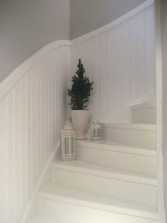 Simple and beautiful. Painted Staircases, Painted Stairs, Entry Stairs, House Stairs, White Staircase, Staircase Design, Small Attic Room, Attic Rooms, Stairway Decorating