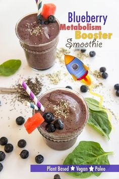 The Blueberry Metabolism Booster Smoothie is a creamy and delicious blend of fruits, veggies and seeds. It's a sure fire way to rev your metabolism! Metabolism Booster Smoothie, Fast Metabolism Diet, Metabolic Diet, Clean Eating Recipes, Raw Food Recipes, Gourmet Recipes, Fast Recipes, Natural Metabolism Boosters, Post Workout Smoothie