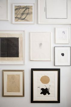 Wall print and art inspiration for the minimalist home. Monochrome palettes, abstract art and line drawings combined for a stunning wall collage. Images Murales, Inspiration Wand, Hallway Inspiration, Home And Deco, Hanging Art, Interior And Exterior, Interior Ideas, Modern Interior, Interior Livingroom
