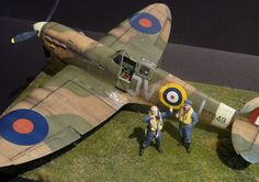"The Modelling News: ""Rabbit Leader, Revell MK.II take-off"" - François builds the new tool 1/32nd Revell Spitfire Mk.IIa"