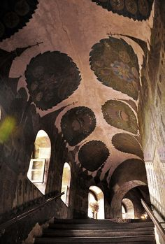 Amazing frescoed ceiling and wall mural - Ukrainian Baroque at Kiev Pechersk Lavra. > By Jennifer Boyer. Baroque Architecture, Interior Architecture, Interior And Exterior, Beautiful Architecture, Interior Design, Decoration, Art Decor, Paint Effects, Stairways