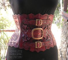 These Steampunk corsets can be dressed up to whatever style you prefer. You can Goth it up, keep it Steampunk or even accessories so it is more Victorian. Heaven knows we love our corsets. Moda Steampunk, Costume Steampunk, Steampunk Outfits, Style Steampunk, Steampunk Wedding, Victorian Steampunk, Steampunk Clothing, Steampunk Fashion, Lingerie Xxl