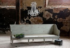 These days, most homes are modern but there is no denying that there is still room for mixing and matching contemporary with traditional home furniture. Furniture Styles, Find Furniture, Vintage Furniture, Painted Furniture, Modern Furniture, Furniture Ideas, Traditional Home Furniture, Traditional Home Decorating, Traditional House