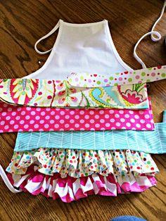 kids ruffle apron DIY