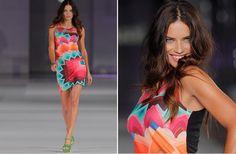 Adriana Lima pone el 'broche de oro' a la segunda jornada de desfiles de 080 Barcelona Fashion primavera-verano 2014