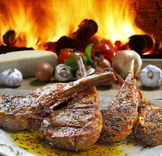 Enjoy this delicious low carb dry rub on any kind of meat - from steak and chops to fish and chicken, it& delicious! Dixie Diner, Roasted Lamb Chops, Dry Rub Recipes, Fish And Chicken, Grilled Meat, Junk Food, Tandoori Chicken, Healthy Recipes, Healthy Foods