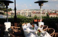 """Ресторан в Праге """"Hanavsky pavillon""""."""