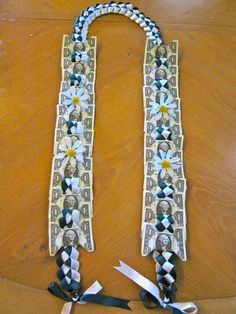 Money Leis for all Occasion! Diy Graduation Gifts, Graduation Leis, College Graduation, Money Lei, Money Origami, Homecoming Mums Senior, Money Necklace, Candy Bouquet Diy, Creative Money Gifts